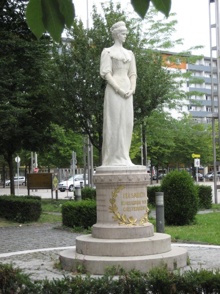 Inauguration Salzbourg 1901 La Statue Aujourd'hui 01