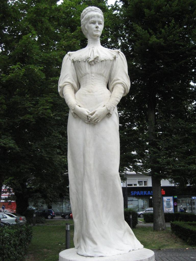 Inauguration Salzbourg 1901 La Statue Aujourd'hui 02