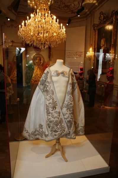Manteau Lithurgique fait avec la Robe de Mariée de Sissi 001