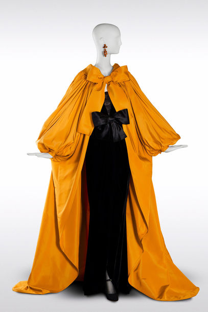 yves-saint-laurent_long-evening-ensemble-yellow-domino-coat_article_gallery_portrait