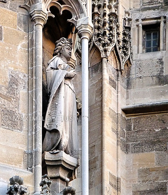 Statue Sissi Stefansdom 01